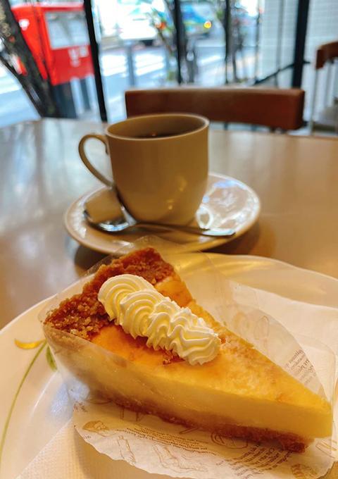 柏のカフェでケーキセット